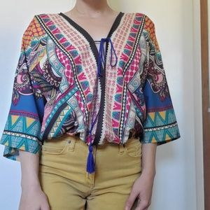 Beautiful open front top tribal print CUTE